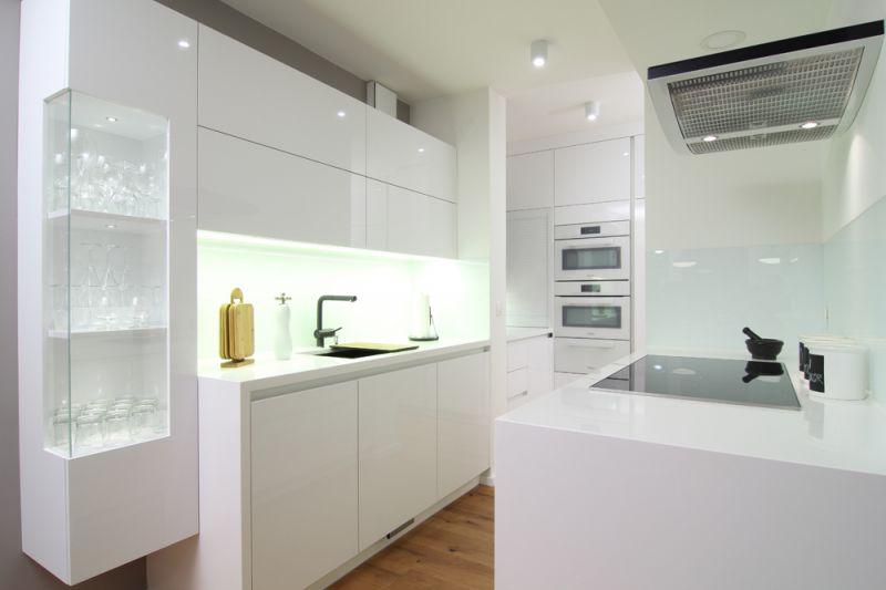 Kuhinjsko pohištvo za male kuhinje